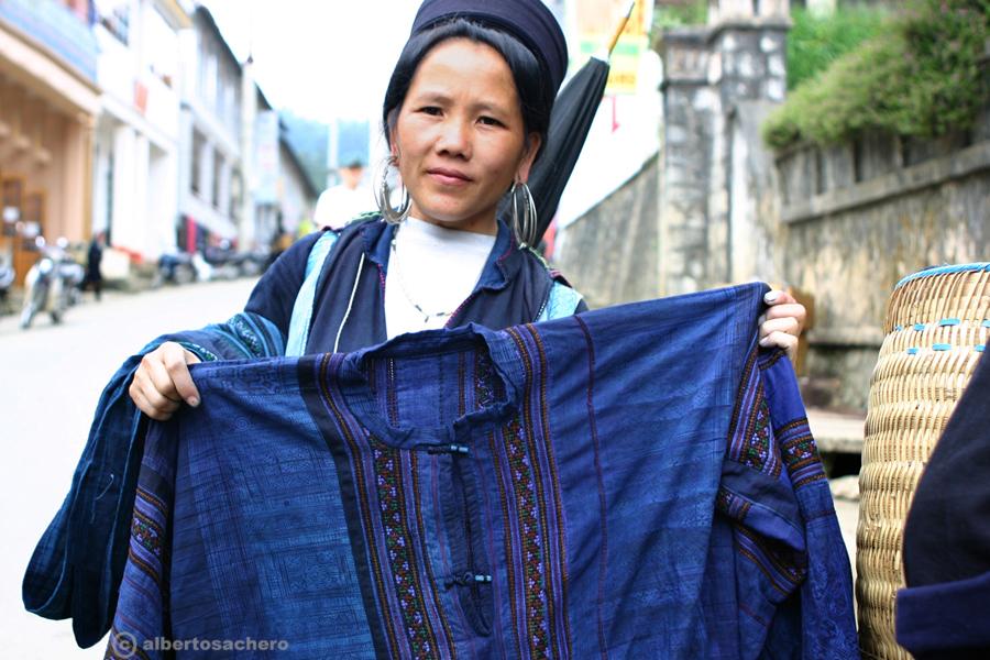 13.Vietnam-donna-hmong-e-camicia