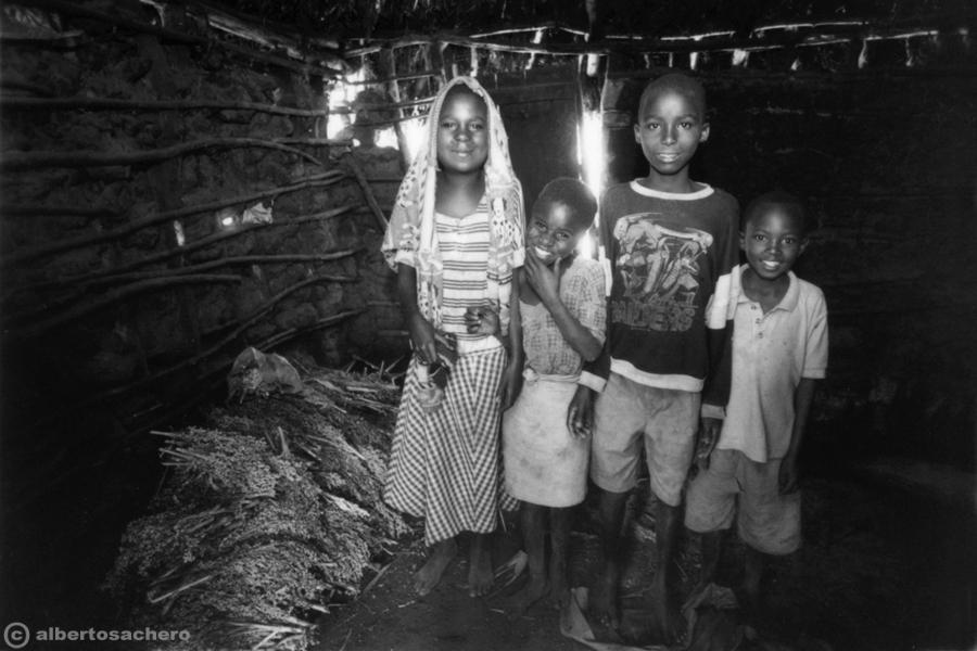25.ritratto-in-baracca-kenya