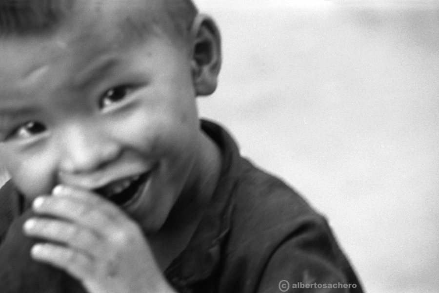 29.Vietnam-bimbo-bianco-e-nero